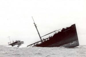 1024px-Pendleton_Sinking_Ship