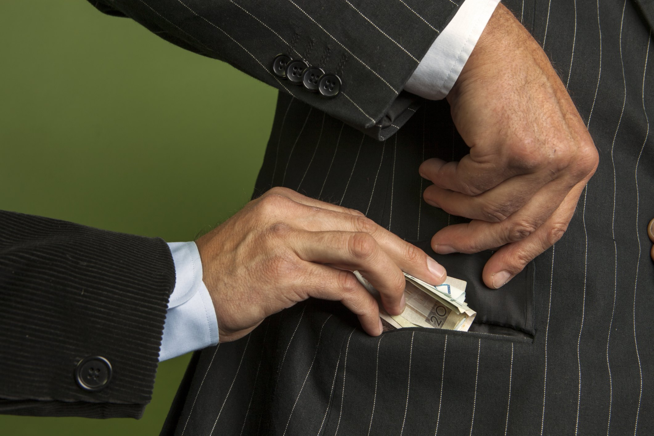 bribery4