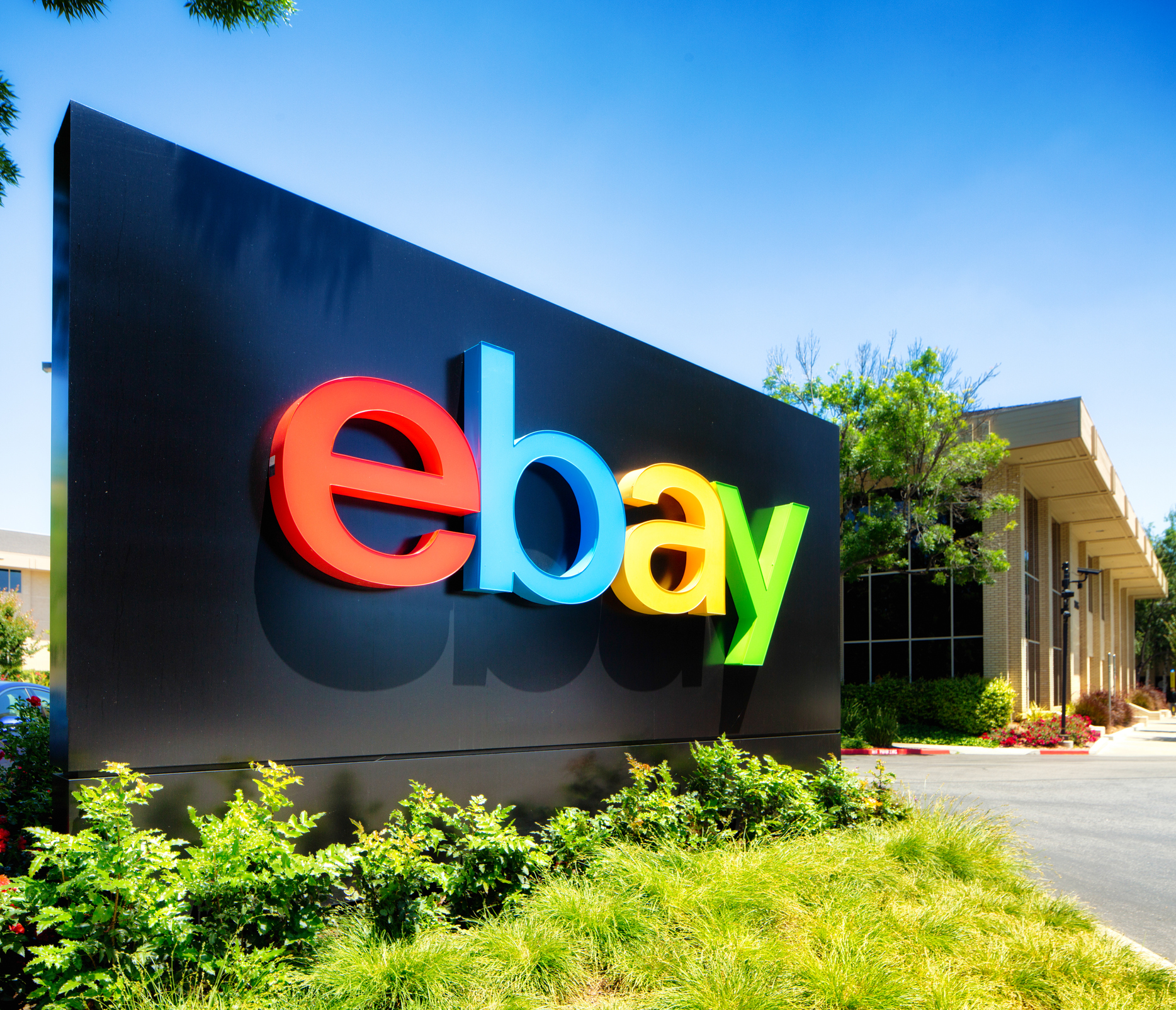 Former Ebay Employees Accused Of Roach Attack Cfo