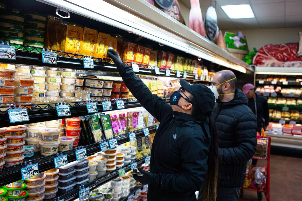 U.S. Consumer Prices Tumble 0.4% in March