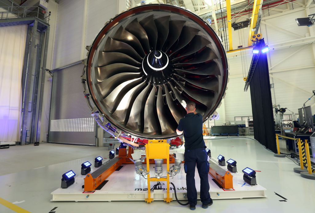 Rolls-Royce to Cut 9,000 Jobs Amid Coronavirus Crisis