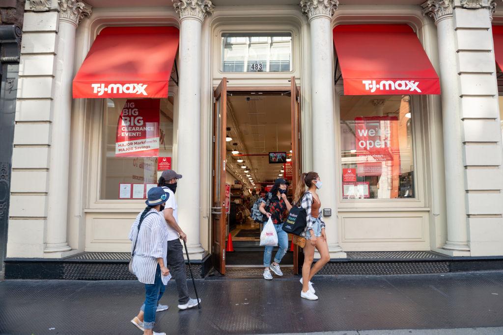 U.S. Consumer Spending Rises 5.6% in June